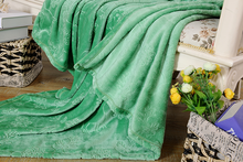 Plain Dyed Green 3D Embossing Softtextile Flannel Blanket
