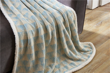 Factory Supply Attractive Price Polyester Jacquard Flannel Blanket